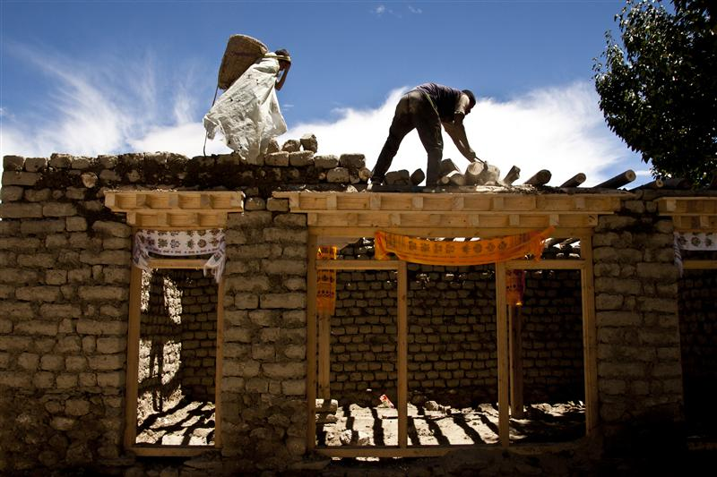 Local men build a new house by using traditional ways in Lo Manthang
