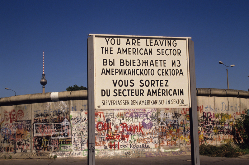 http://www.photojournale.com/data/media/4/berlin_wall_americansector.jpg