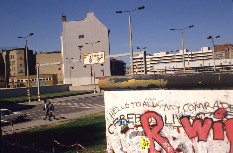The Berlin Wall : East meets West ; GDR, the checkpoint