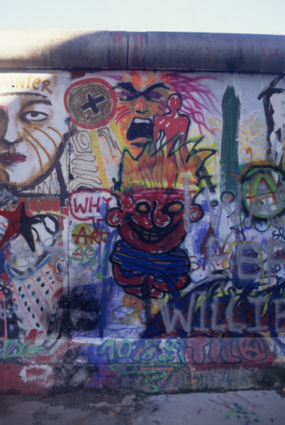 The Berlin Wall : Why Art ?