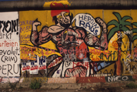 The Berlin Wall : Heroin Raus